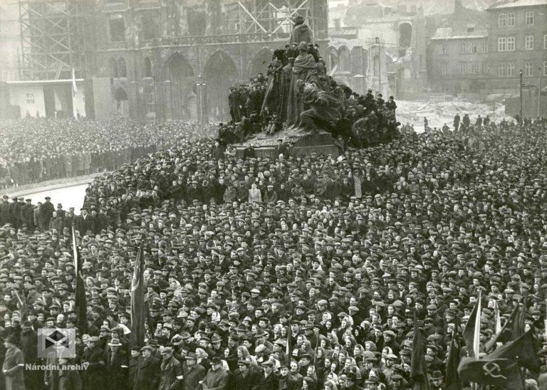 Klement Gottwald na Staroměstském náměstí