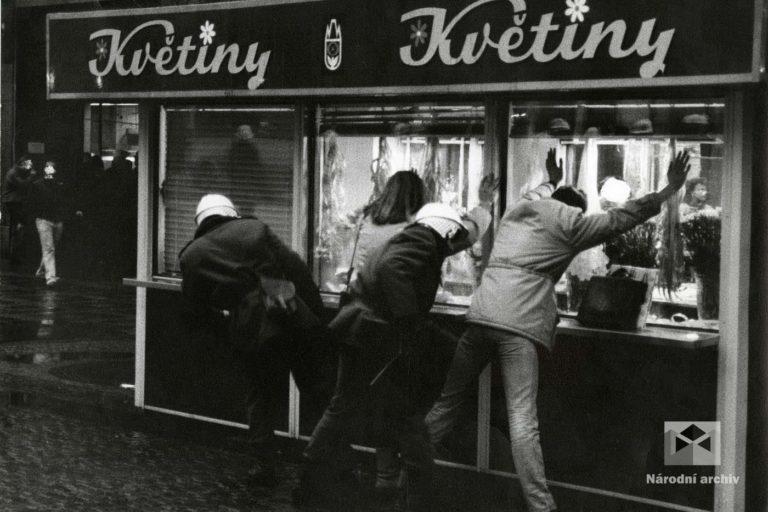 Demonstrace 1989, Praha, NA, NAD1362, foto: Lammer